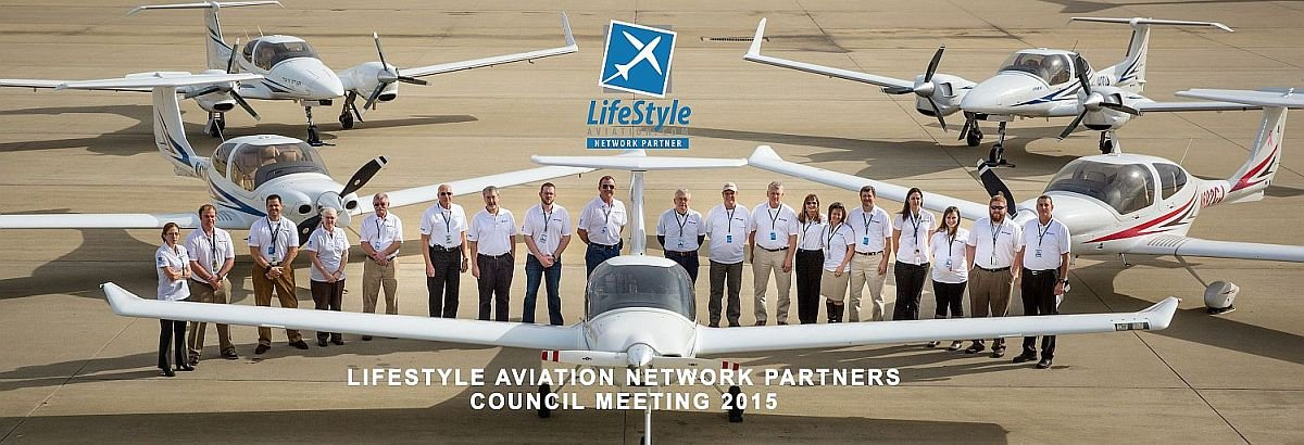LifeStyle Aviation Network Partners Group Shot with Planes